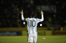 Messi đi vào lịch sử trong ngày Argentina giành vé dự World Cup
