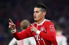Dortmund thảm bại, Bayern lần đầu 'lên đỉnh' Bundesliga mùa này