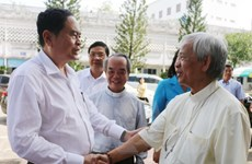 Chủ tịch Mặt trận Tổ quốc thăm và chúc mừng Giáng sinh tại An Giang