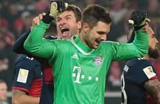 """""""Kẻ bị ruồng bỏ"""" Sven Ulreich giúp Bayern đánh bại Stuttgart"""