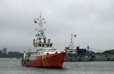 Tàu cá chìm trong ngày 29 Tết: Tìm kiếm ba người còn mất tích