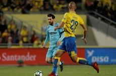 Barcelona hòa sốc đội 'cầm đèn đỏ' ngay trước thềm đại chiến