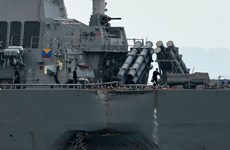 Xác định nguyên nhân vụ va chạm giữa tàu khu trục Mỹ với tàu hàng