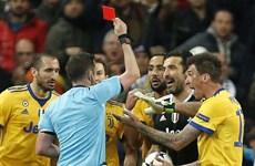 """Gianluigi Buffon """"nổi điên"""" sau khi Juventus bị loại đầy cay đắng"""
