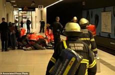 Cảnh sát Đức bắn hạ đối tượng tấn công một nhân viên làm bánh