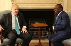 Anh ủng hộ việc Zimbabwe tái gia nhập Khối Thịnh vượng chung