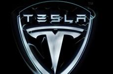 """Hãng sản xuất ôtô Tesla có thể sẽ """"cạn tiền"""" trong vòng một năm"""