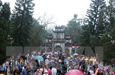 Trên 1,5 triệu lượt du khách đến chùa Hương trong mùa lễ hội 2018