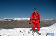 Cụt 2 chân, nhà leo núi 69 tuổi vẫn chinh phục thành công đỉnh Everest