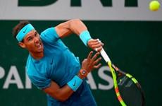 Nadal và Sharapova thắng 'tốc hành' tại Roland Garros 2018