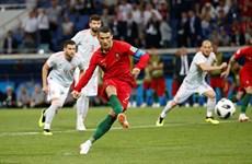 Sút tung lưới Tây Ban Nha, Ronaldo lập kỷ lục 'vô tiền khoáng hậu'