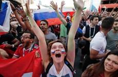 World Cup 2018: Các cổ động viên say xỉn 'ngã đâu ngủ đấy'