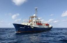 Thủ tướng Italy khẳng định tàu di cư mắc kẹt sẽ cập cảng Malta