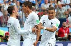 Uruguay vs Pháp 0-2: 'Gà trống Gaulois' bay vào bán kết