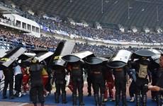 Một CĐV Indonesia bị fan của đội bóng kình địch đánh đến chết