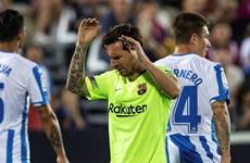 """Barcelona và Real Madrid đua nhau nếm """"trái đắng' ở La Liga"""