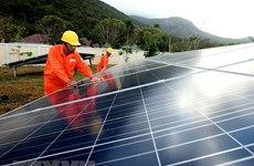Tập đoàn EVN ký được nhiều hợp đồng mua bán điện Mặt Trời