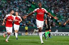 Kết quả bóng đá: Arsenal, Chelsea đặt 1 chân vào vòng knock-out