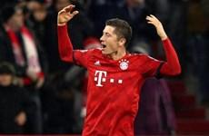Lewandowski cán mốc lịch sử trong ngày Bayern thắng hủy diệt