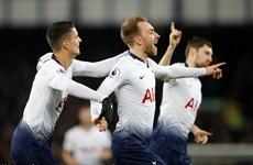 Tottenham 'phả hơi nóng' vào Manchester City sau màn hủy diệt