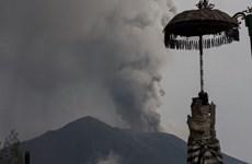 Indonesia: Núi lửa Agung trên đảo Bali phun trào kéo dài 3 phút