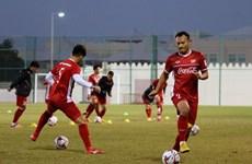 Cận cảnh đội tuyển Việt Nam tăng khối lượng tập luyện tại Qatar