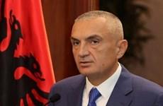 Albania cải tổ nội các, Tổng thống bãi nhiễm hàng loạt bộ trưởng