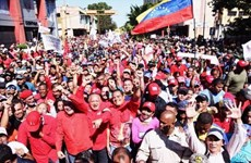 Tuần hành tại Venezuela thể hiện sự ủng hộ đối với Tổng thống Maduro