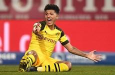'Bất lực' trước đội cuối bảng, Dortmund chỉ còn hơn Bayern 3 điểm