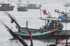 Hà Tĩnh: Khẩn trương tìm kiếm hai cha con mất tích trên biển