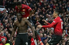 Premier League: M.U trở lại tốp 4, Man City lên ngôi đầu