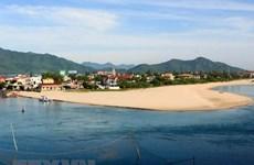 Xây dựng vùng đầm phá thành trung tâm kinh tế biển phát triển
