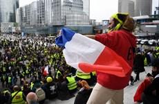 """Pháp: Hàng nghìn người biểu tình """"Áo vàng"""" tiếp tục xuống đường"""
