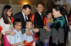 Chủ tịch Quốc hội làm việc với Đại sứ quán Việt Nam tại Qatar