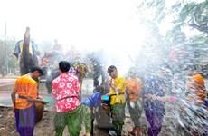 Tưng bừng với lễ hội té nước mừng Năm mới tại Thái Lan