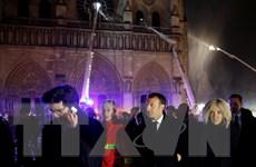 Tổng thống Pháp cảm ơn 'lòng can đảm cực độ' của lính cứu hỏa