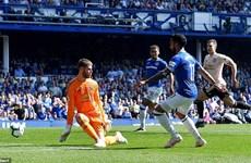 """Everton dội """"cơn mưa bàn thắng"""" vào lưới Manchester United"""