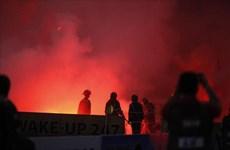 Sân Hàng Đẫy chìm trong 'biển khói' ở trận Hà Nội gặp Hải Phòng