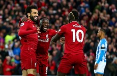 Liverpool gây sức ép lên Man City bằng chiến thắng hủy diệt