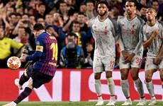 'Phá lưới' Liverpool, Lionel Messi cán mốc 600 bàn thắng