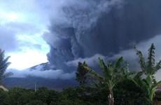 Indonesia cảnh báo nguy hiểm với hàng không do núi lửa phun trào