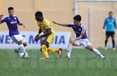 HLV Hà Nội FC bênh Đình Trọng ở tình huống nhận thẻ đỏ trực tiếp