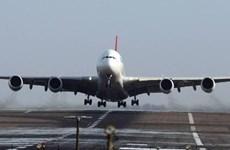 Máy bay hãng hàng không Qantas phải đổi hướng do sự cố điện