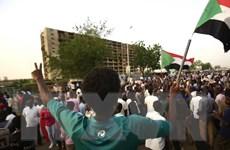 Sudan: Hội đồng quân sự và phe biểu tình nhất trí về chuyển tiếp