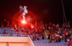 VFF bị phạt gần 1 tỷ đồng vì CĐV đốt pháo sáng ở vòng loại U23 châu Á