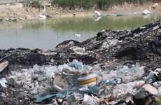 [Photo] Nan giải tình trạng đổ trộm rác thải công nghiệp ở Bắc Ninh