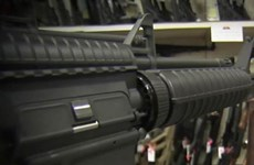 [Video] Chuỗi siêu thị Mỹ vẫn bán vũ khí sau thảm kịch xả súng