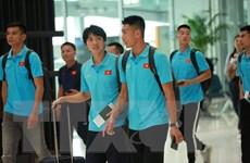 Đội tuyển Việt Nam đặt chân đến Bangkok, sẵn sàng 'chiến' Thái Lan