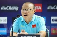 Huấn luyện viên Park Hang-seo xin lỗi sau khi nhận thẻ vàng