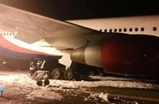[Video] Máy bay từ Việt Nam hạ cánh khẩn ở Nga, 49 người bị thương